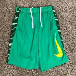 Dri-fit Nike green and yellow sport shorts (L)